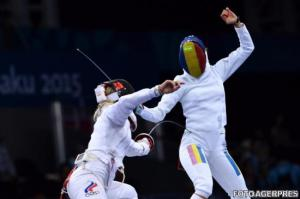 echipa-feminina-de-spada-a-romaniei-medalie-de-aur-la-jocurile-europene-baku-2015-311706