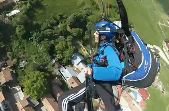 paragliding 93878_2784040144016250045_n
