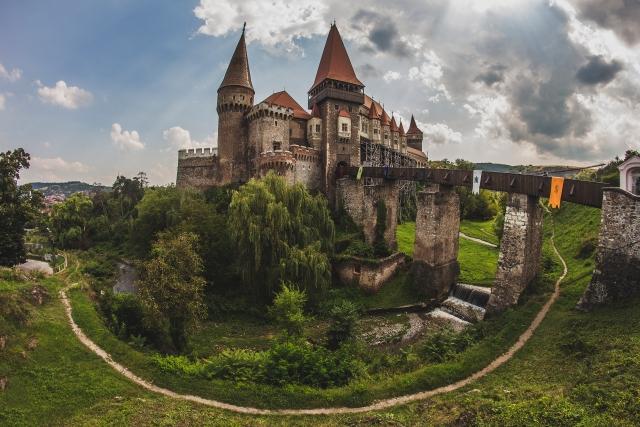 Castelu corvinilorl