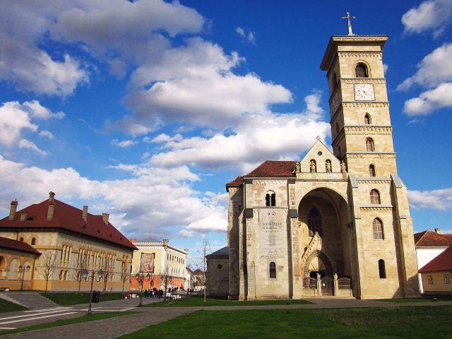 Alba_Iulia_-_Catedrala_Sf.Mihail_Aprilie_2013